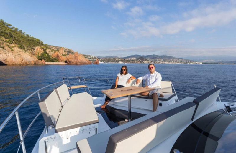 Bateau à moteur à louer à Cannes - Galeon Boat Fly 500