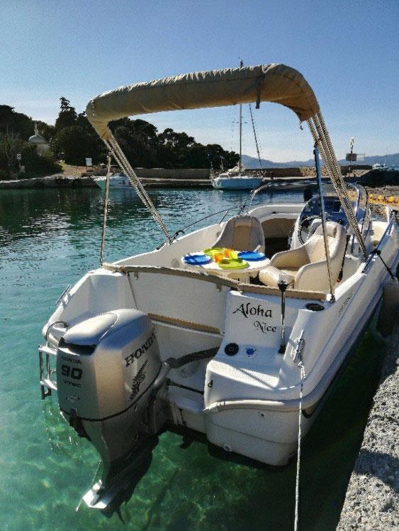 Flyer 550 SD à louer à Cannes - PassionBoat