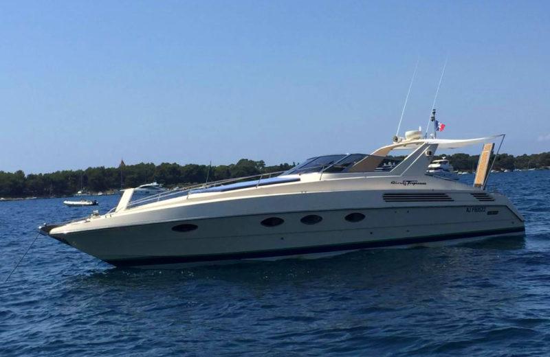 Bateau 10 personnes à louer à Mandelieu - Riva Tropicana 43 - PassionBoat