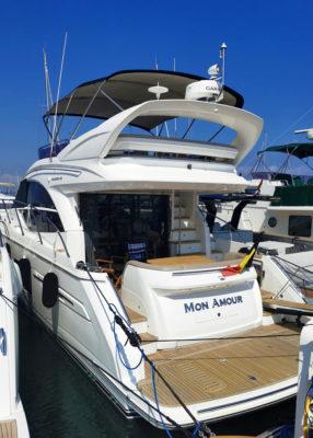 Bateau 12 personnes à louer Côte D'Azur. Princess V 49 - Passionboat Mandelieu