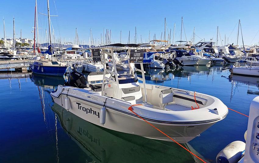 Bayliner Trophy 22 en Liberty Pass illimité Mandelieu- Passionboat
