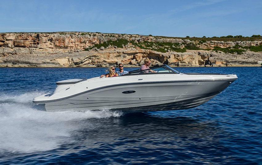 Sea Ray 230 SPX en Liberty Pass illimité Mandelieu- Passionboat